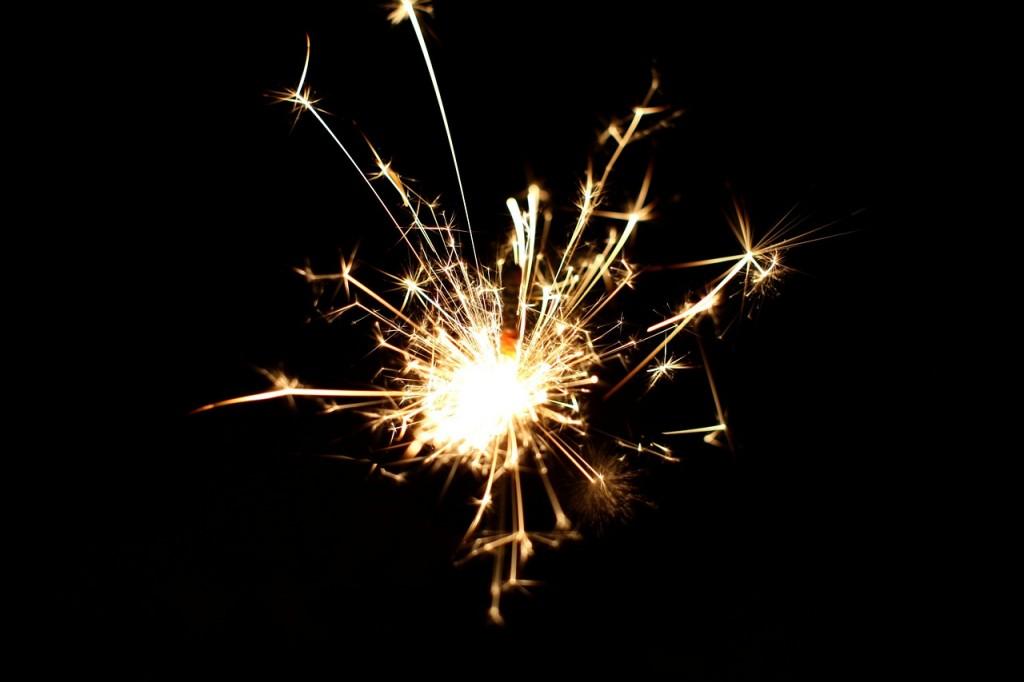 sparkler-532838_1280